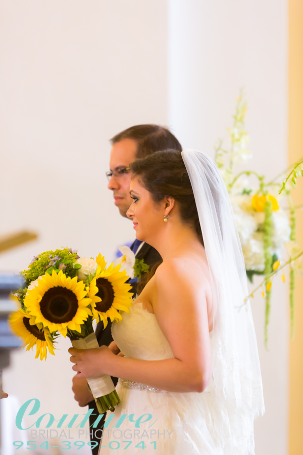 Photography of destination Wedding in Old San Juan Cathedral by Couture Bridal Photography
