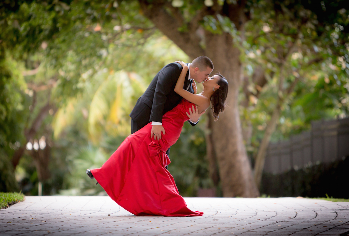 Photography by the best Professional Coral Springs Photographer Aricelly and Angelo engagement photography session in Brickell Miami, Florida at 600 Biscayne Blvd and Tamarina Restaurant by Alfredo Valentine Photographer owner of Couture Bridal Photography